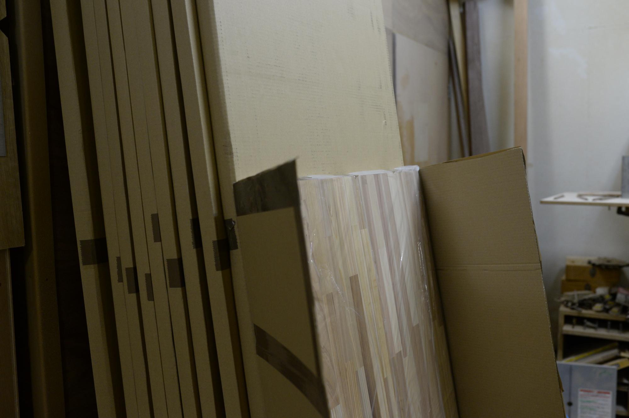 本棚と食器棚の材料
