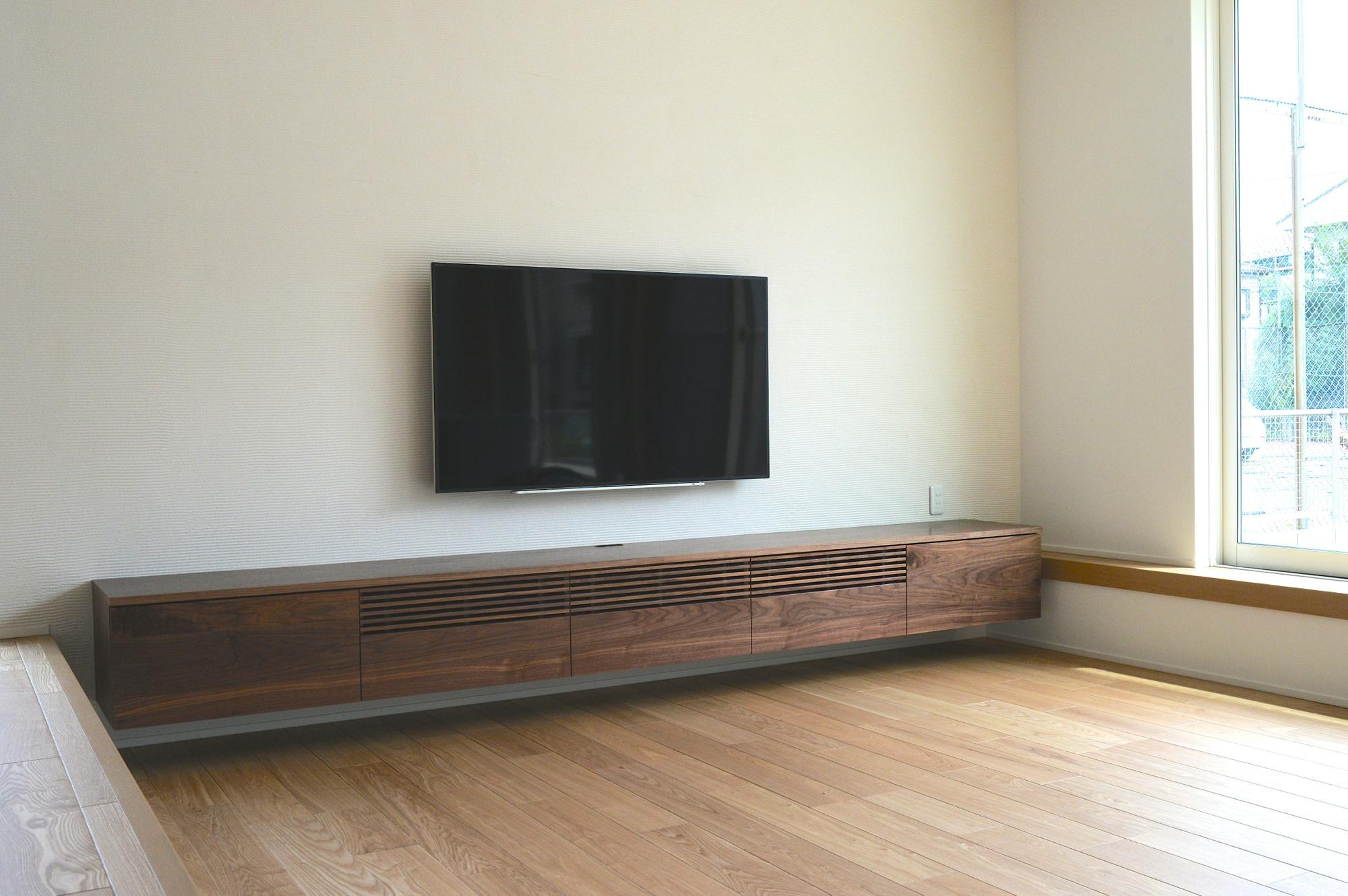 ウォールナットのオーダーテレビボード