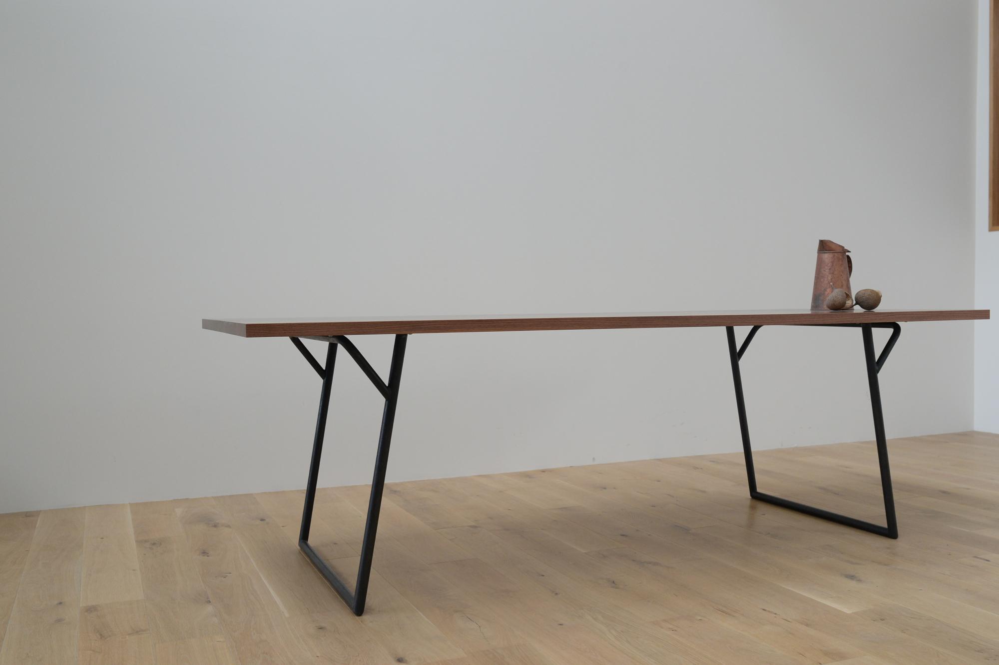 シンプル 鉄脚 スチール テーブル