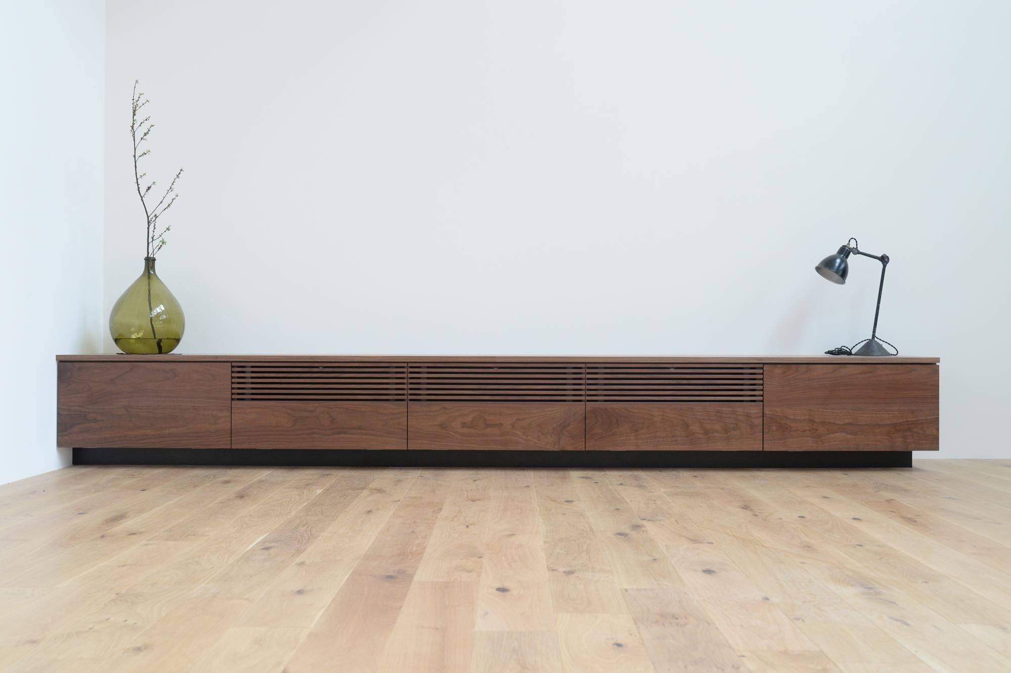 ルーバー 格子 テレビボード
