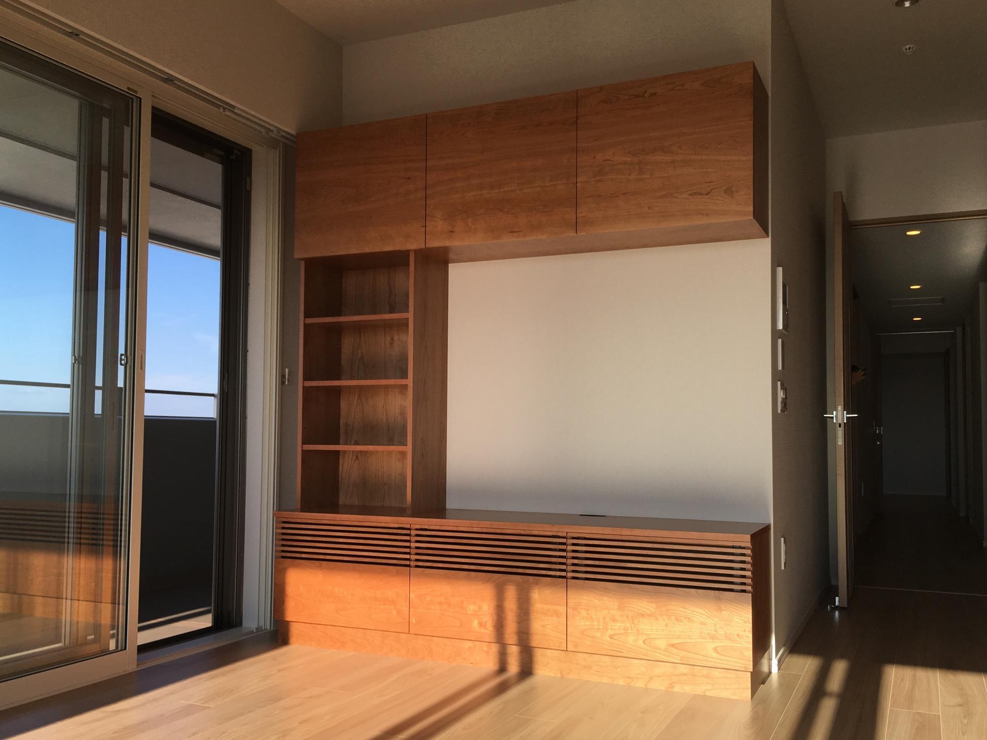 テレビボード 壁面収納 チェリー 格子 ルーバー 無垢材