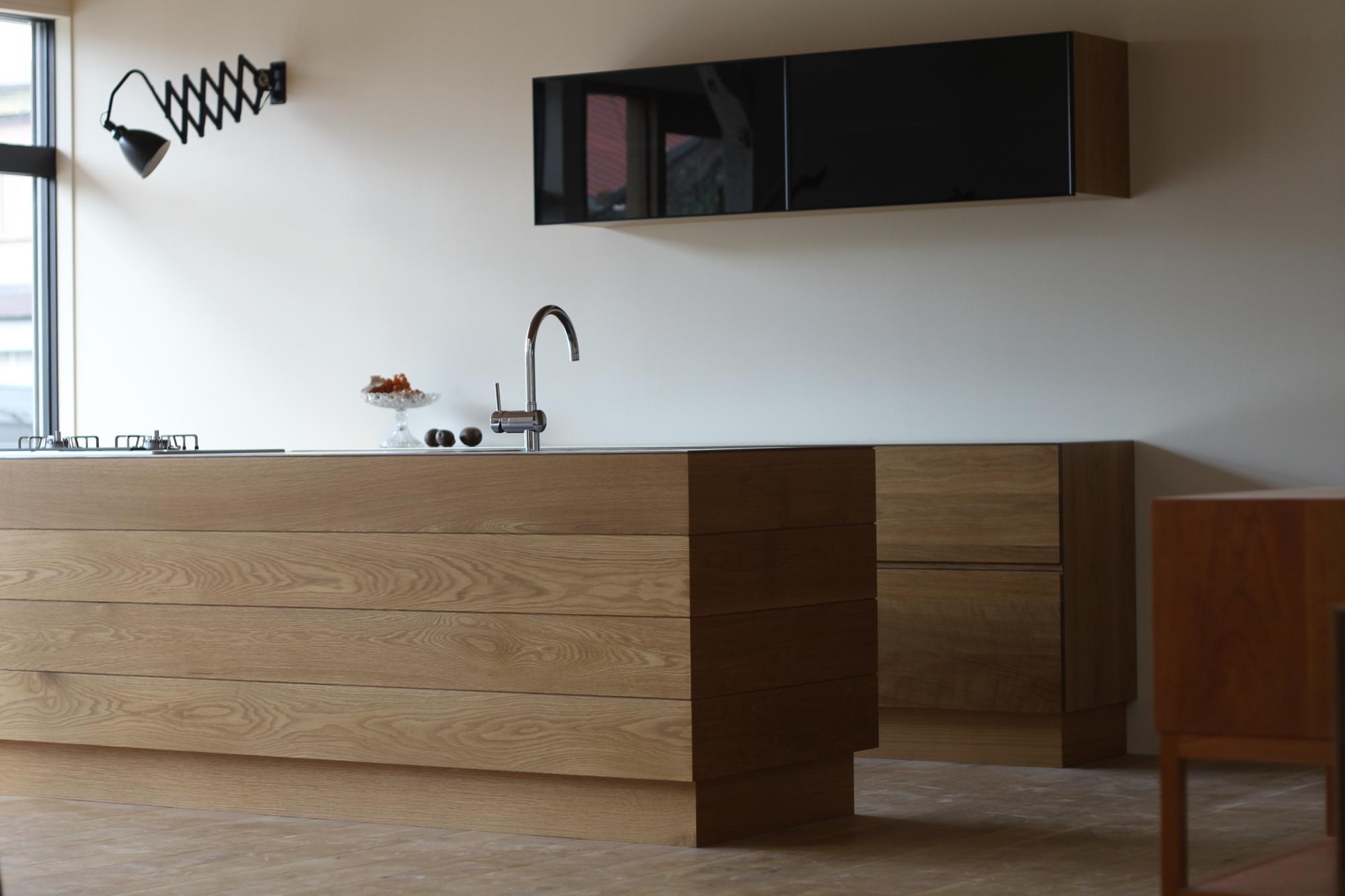オーダーキッチン 無垢材 ステンレス オーダー家具 グローエ