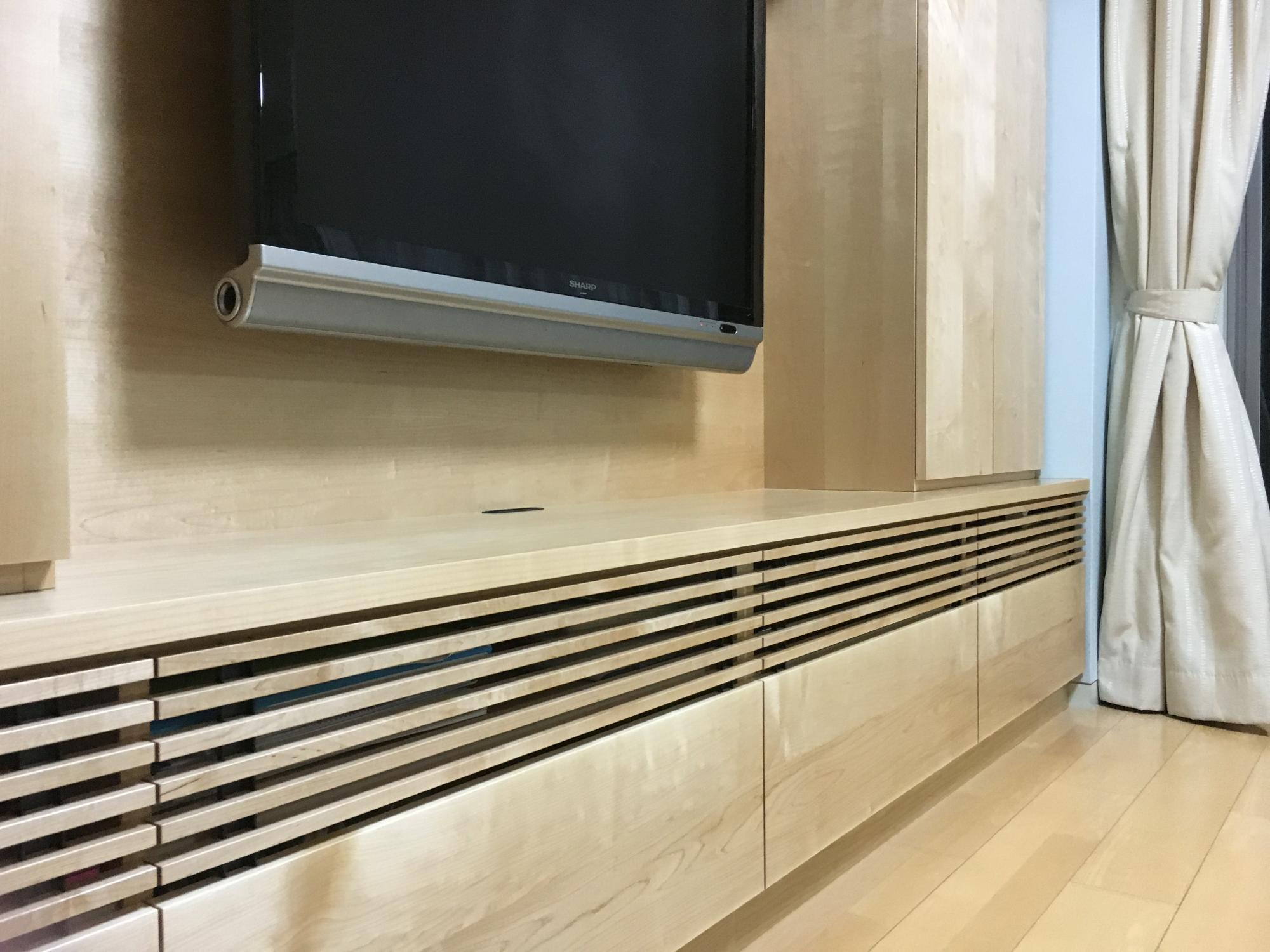 ルーバー メープル 壁面収納 オーダー家具