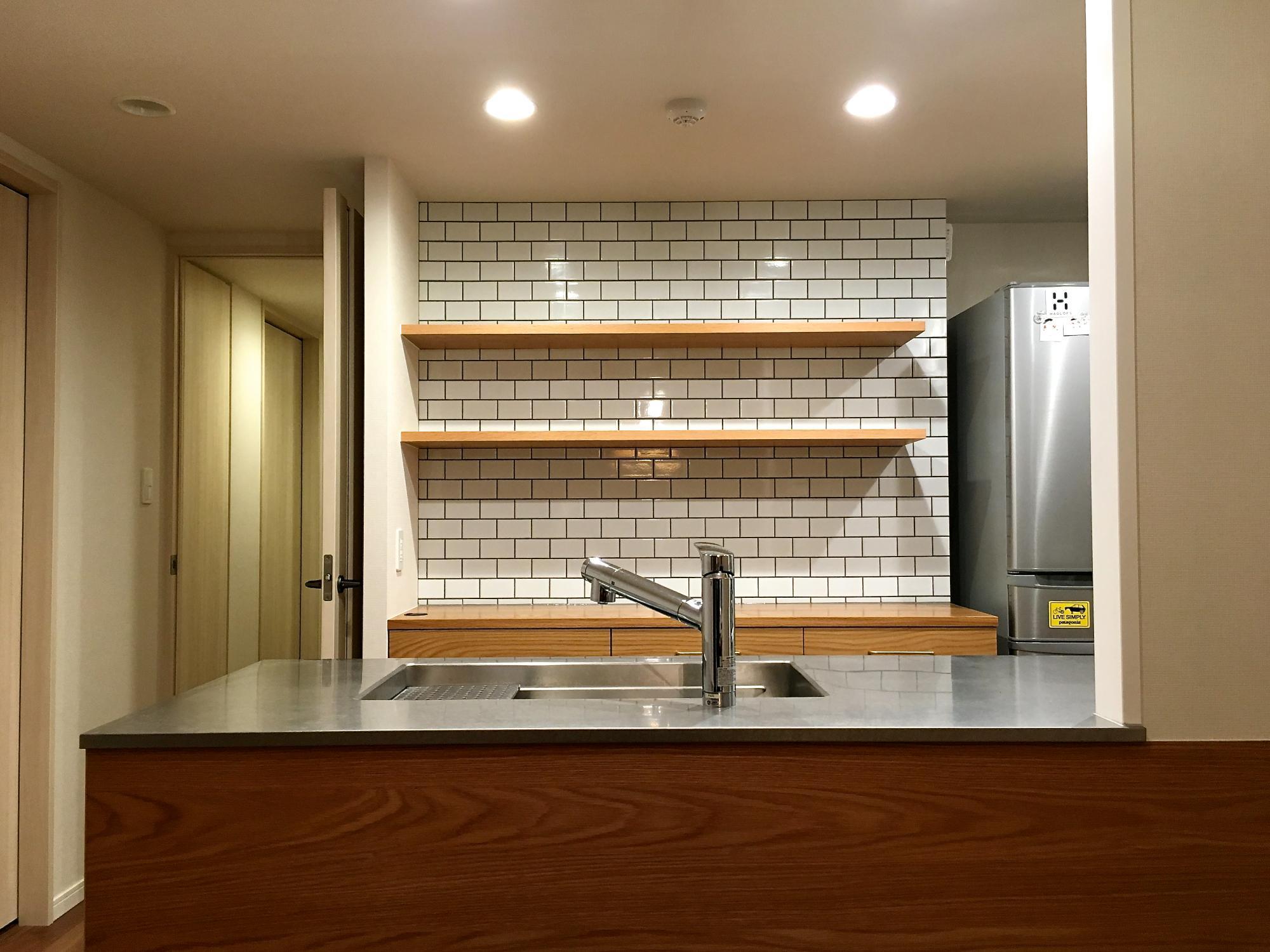 キッチン サブウェイタイル