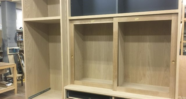 食器棚の引き戸