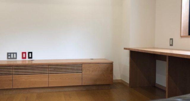 テレビボードとデスクの納品 三鷹市S邸