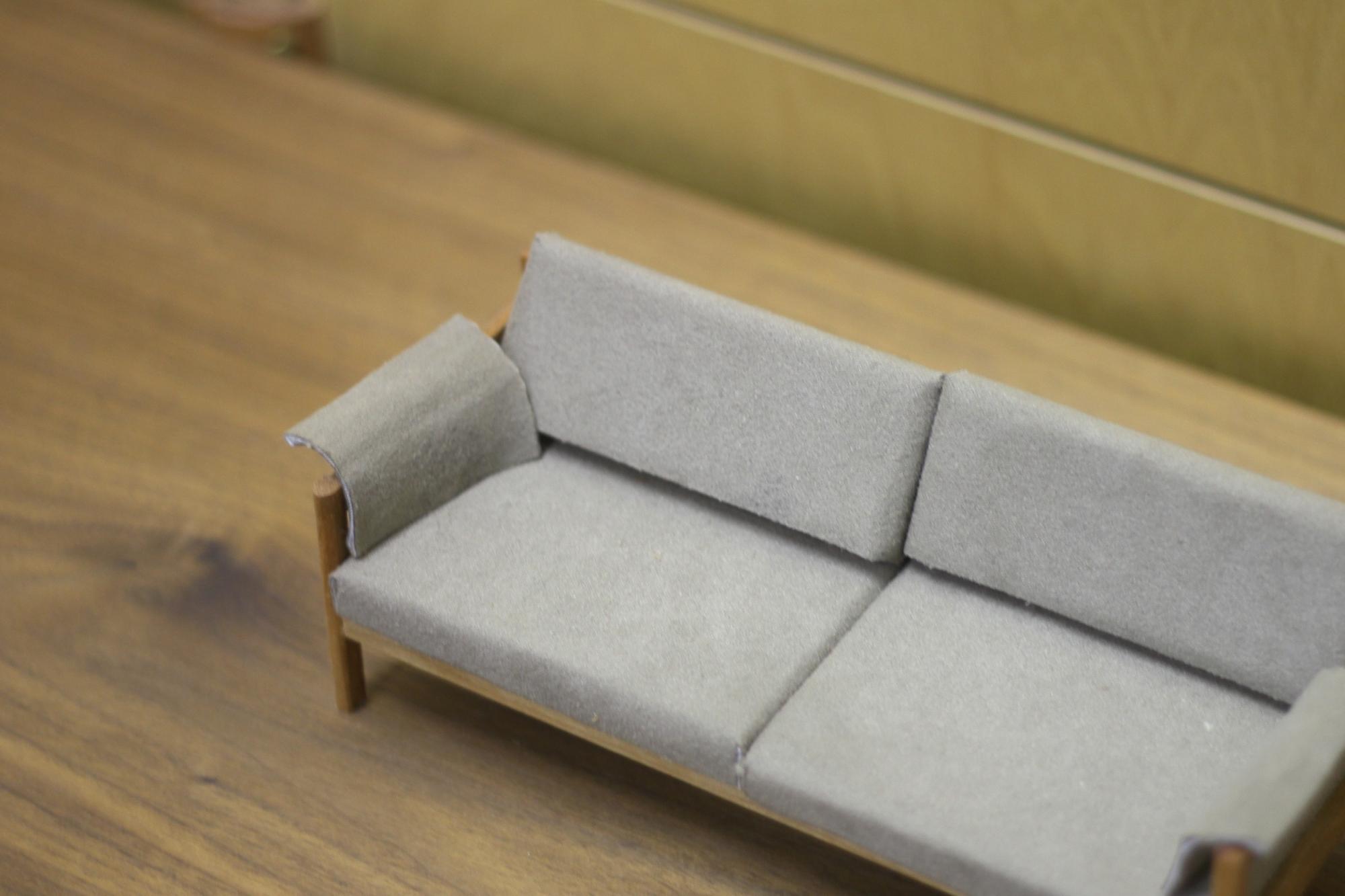 ソファーの模型
