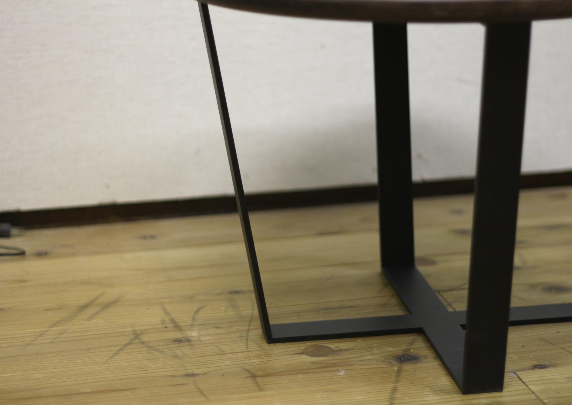 ローテーブルの特注鉄脚