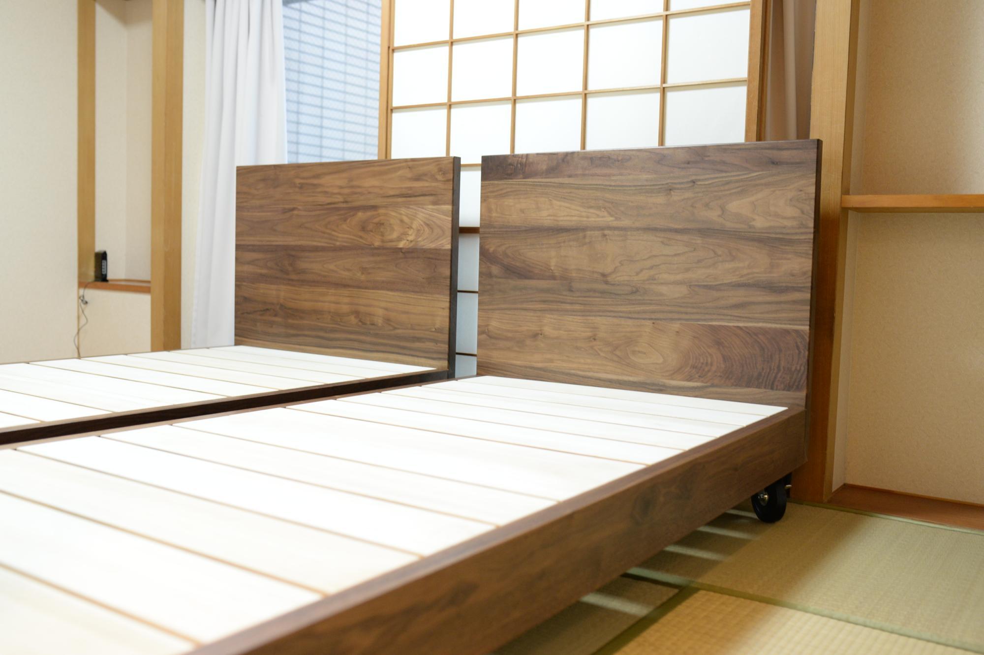 ウォールナットのオーダーベッド
